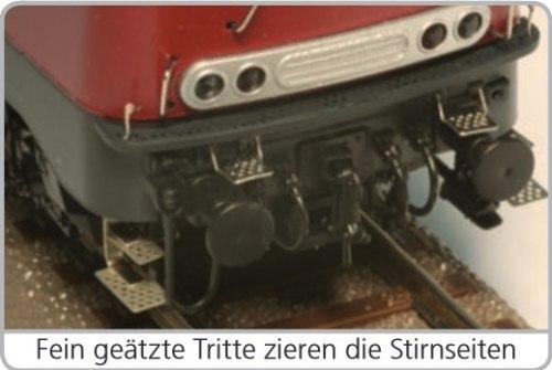 Немецкий дизель-локомотив BR 215 009 DB ESU 31021