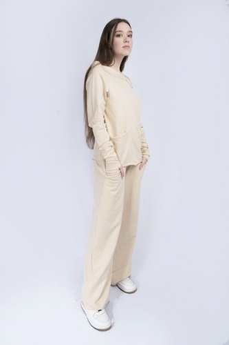 Бежевый костюм с широкими брюками Millennium 2115